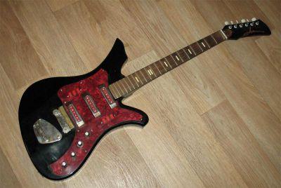 Где пишется номер гитары