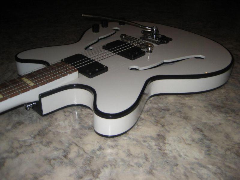 Продам восстановленую гитару